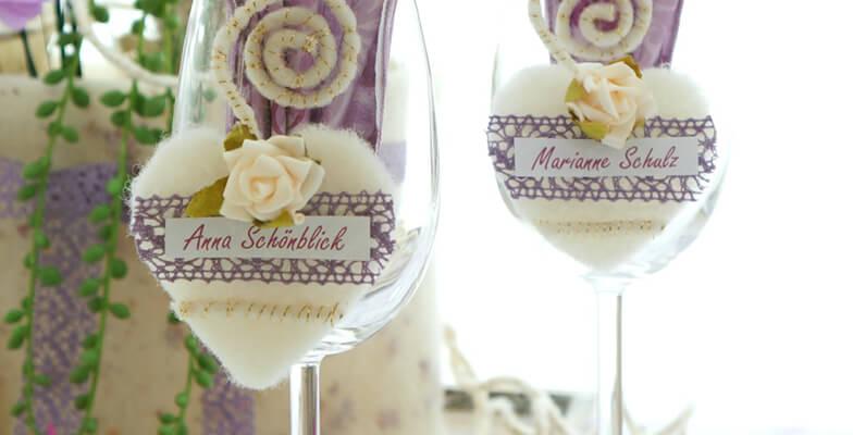 1596_Tischdeko-Hochzeit-flieder-creme-romantisch